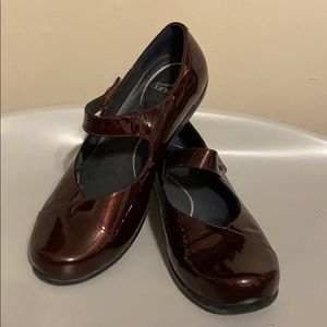 *Worn Once* Patent Leather Dansko Mary Jane